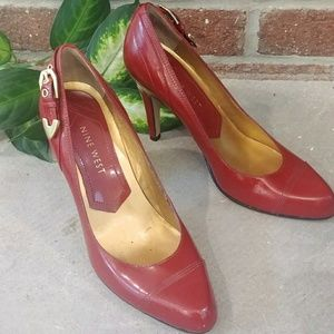 Size 5 1/2 nine West red shoes with buckle
